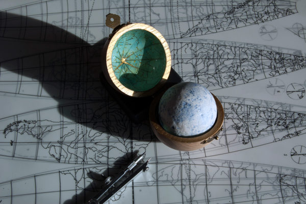 little-globe-co-blue-moon
